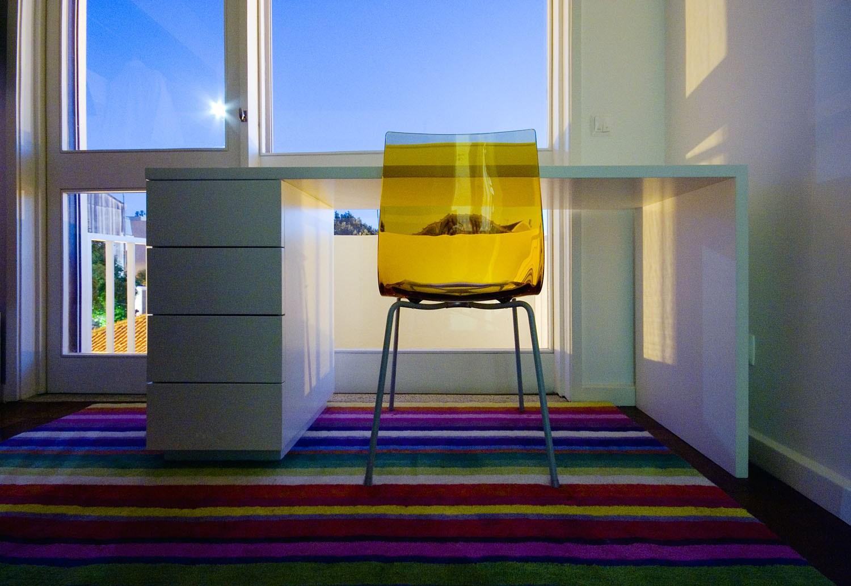 Projeto design de interiores, quarto com secretária, Porto (Portugal). CódigoDesign