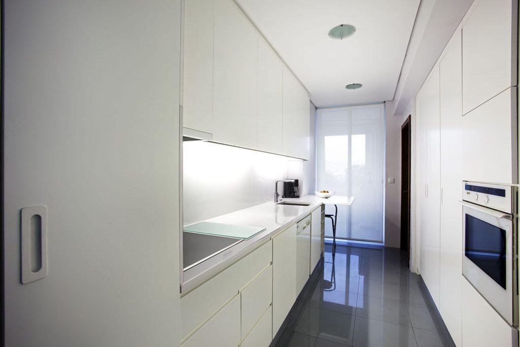 Projeto design de interiores, cozinha, Porto (Portugal). CódigoDesign