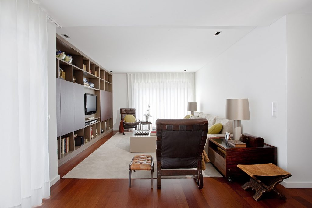 Projeto design de interiores, sala de estar, apartamento Porto (Portugal). Códigodesign