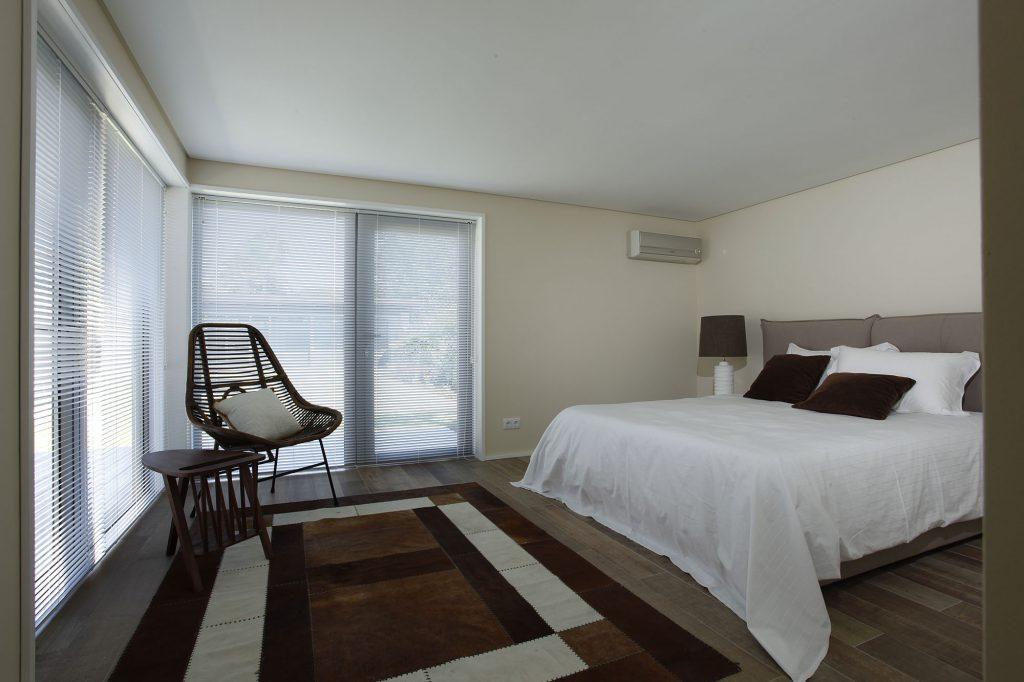 Projeto de arquitetura e design de interiores, quarto suite. CódigoDesign